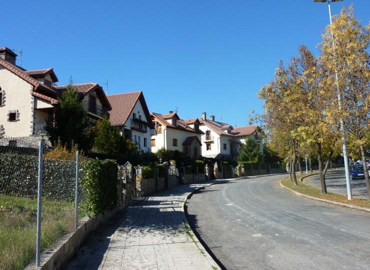 151533_3_Urbanizacion_Monte_Corona_(Sabinanigo)(1)