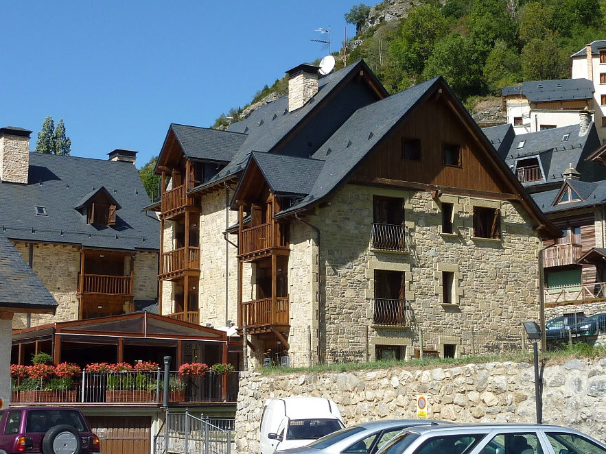 Edificaci n tur stica 35 a os de arquitectura en el pirineo - Casa ferrando panticosa ...